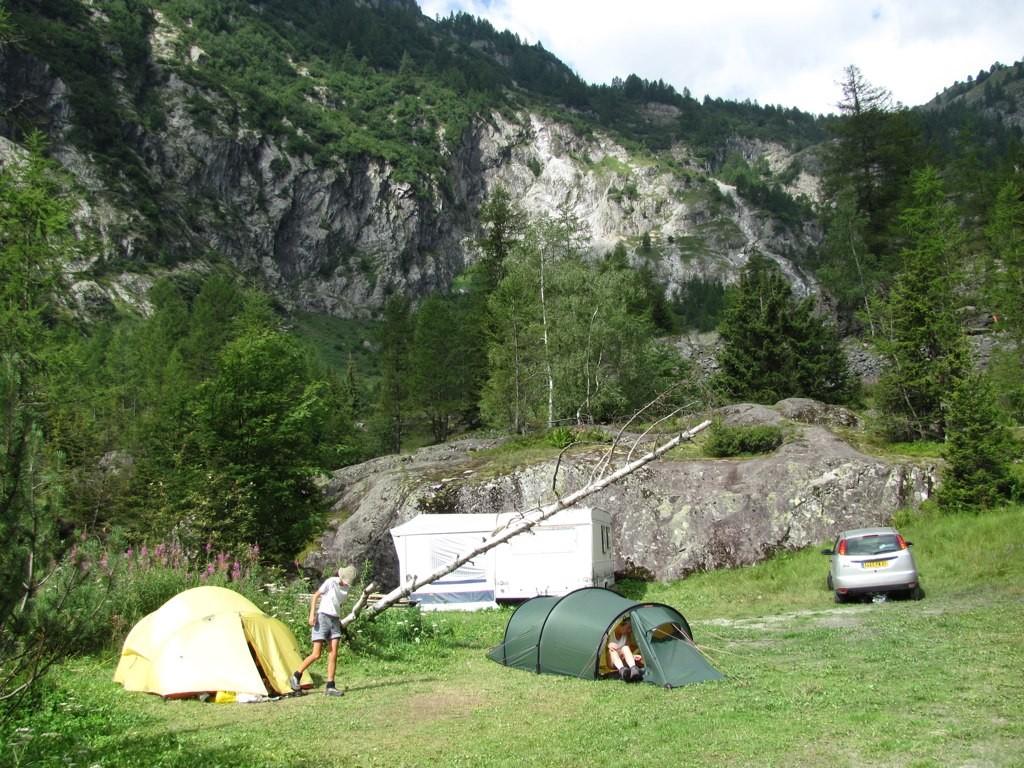 ViaAlpina-17-Van d'En-Haut-Salanfe - 1