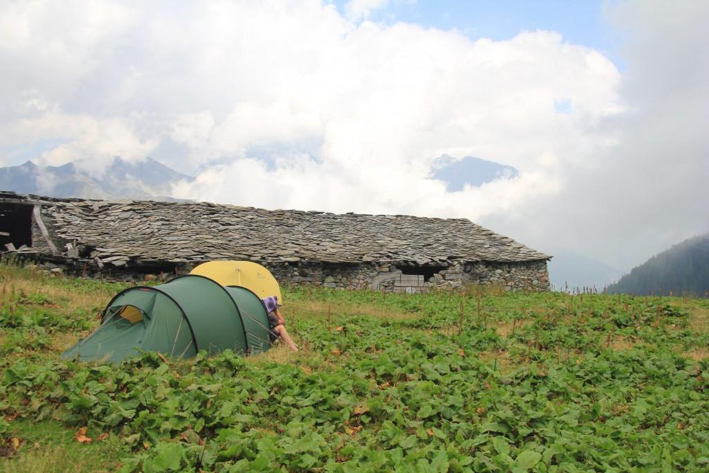 Notre campement sur l'alpage (abandonné) du Citrin de Meiten.